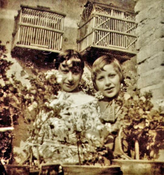 Esperanza y Bertha en Pachuca, 1934